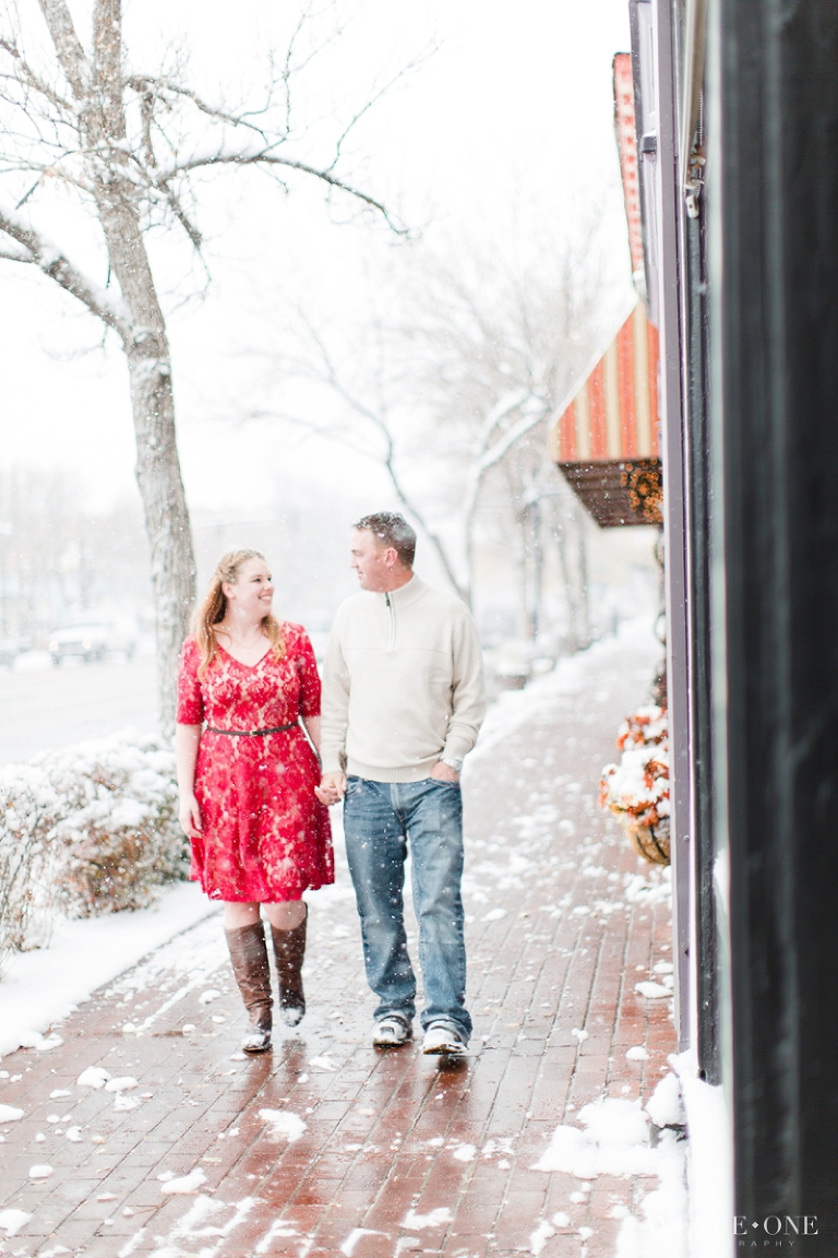 engagement-photos-in-old-colorado-city