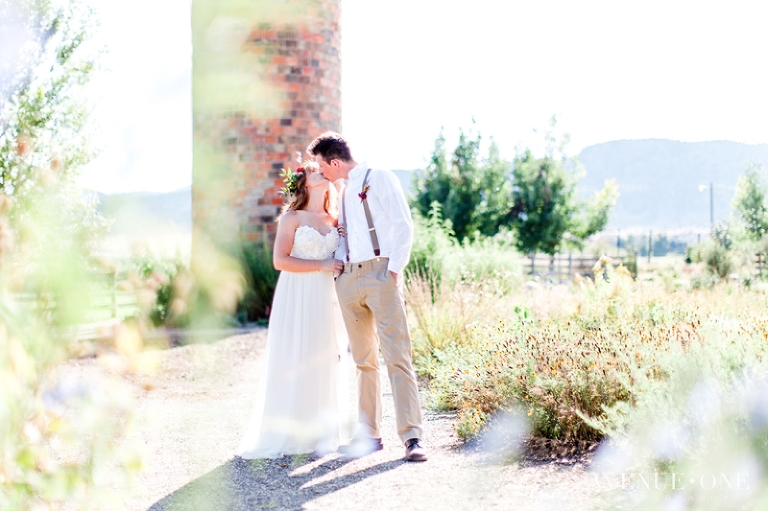 boho-chic-wedding-in-field-colorado-springs